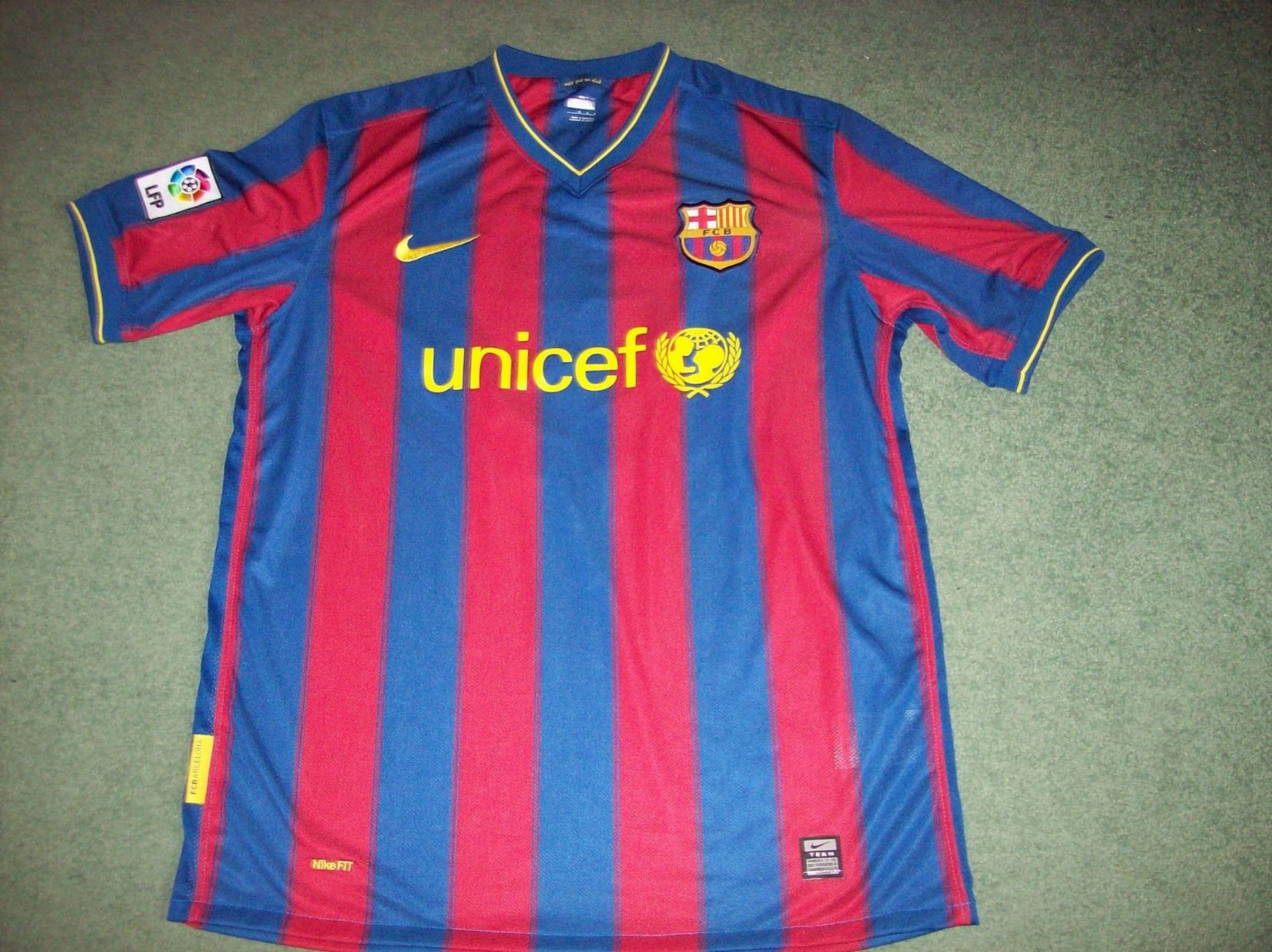 c2c9af13a7 2009 2010 Barcelona Xavi Adults XL Football Shirt Camiseta
